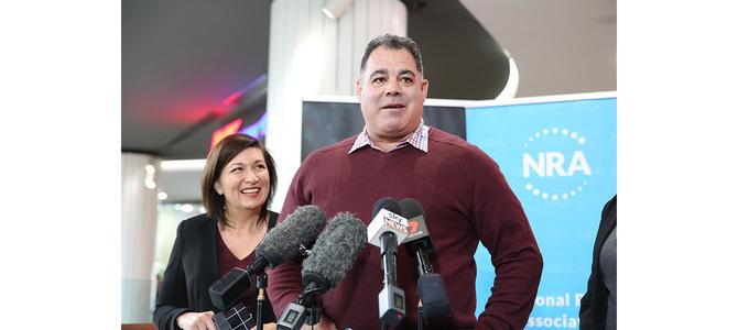 NRL legend urges Queenslanders to support plastic bag ban